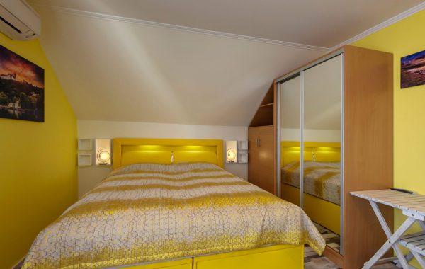 Napsugár apartman